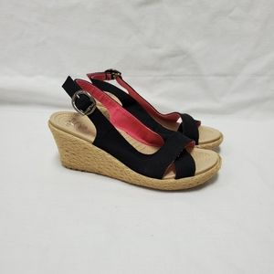 Crocs Wedges Women's 8 black Adj Buckle Straw